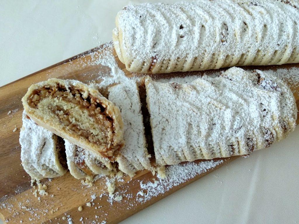 עוגיות ממגולגלות אגוזים ודבש