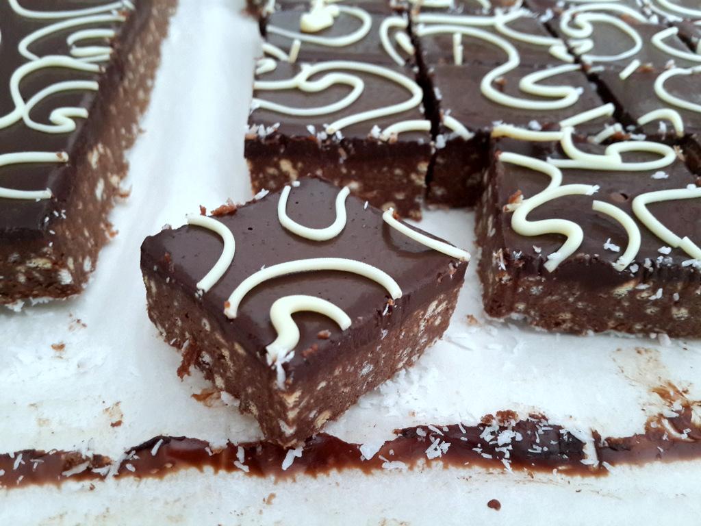ריבועי שוקולד ללא אפייה