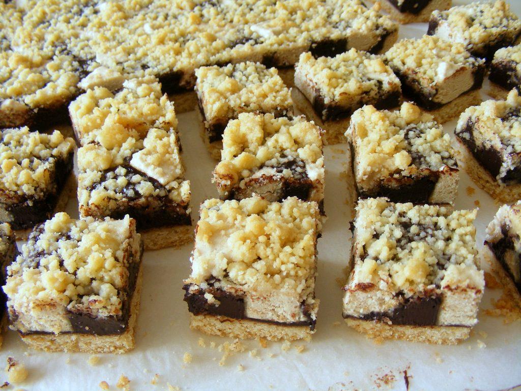 ריבועי שוקולד חלבה מעולים מבצק פריך עם טחינה ודבש
