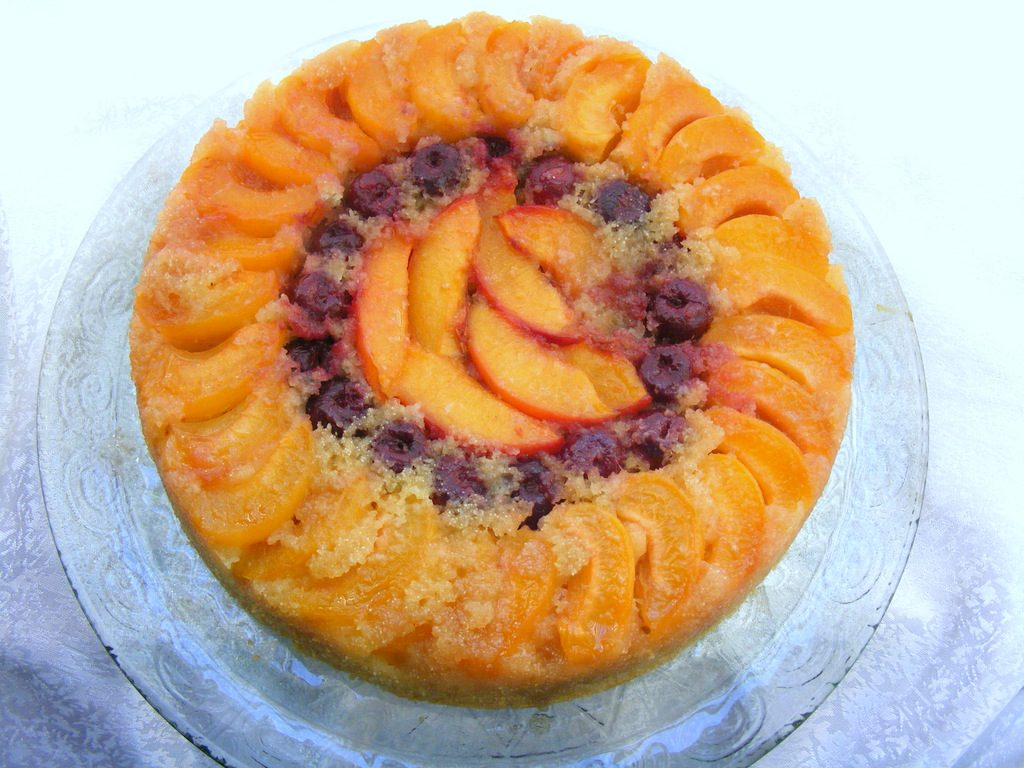 עוגת סולת ופירות הפוכה