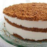 עוגת גבינה פירורים עם דבש ושוקולד שילוב משגע של טעמים