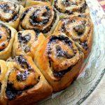 עוגת שמרים במלית קרם וניל ועוגיות אוראו