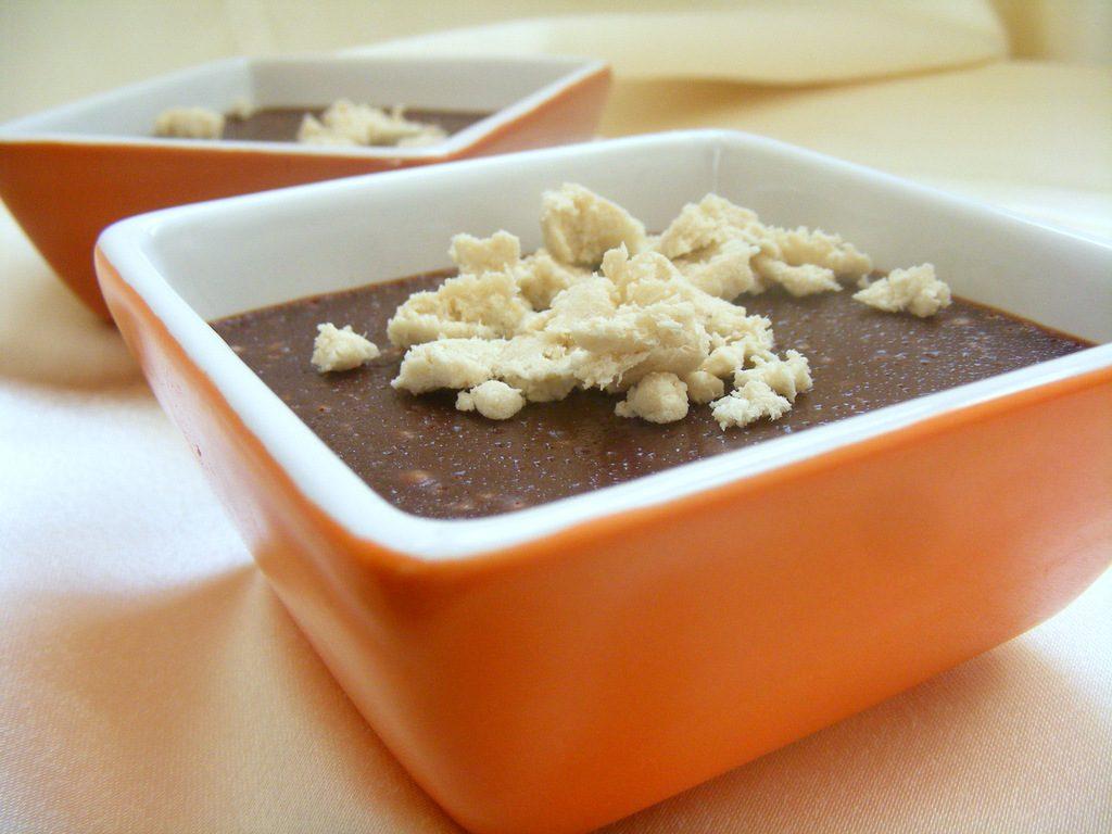 קרם שוקולד חלבה קינוח מעולה אופים אותו בכלים אישיים