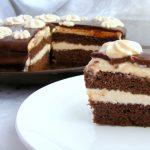 עוגת שכבות שוקולד וקרם גבינה עם נוגט