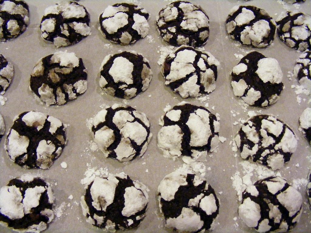 עוגיות שוקולד רעידת אדמה עוגיות מושלגות יפיפיות