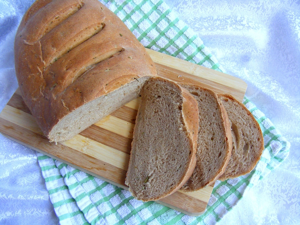 לחם יוגורט ורוזמרין כי הכי טעים ובריא לחם תוצרת בית