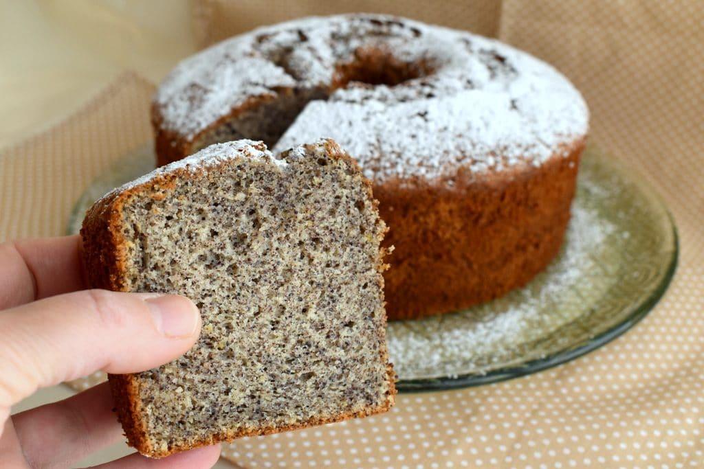 עוגת פרג גבוהה מאוד גבוהה וממש טעימה