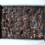חומיות - ריבועי בראוניז עם קקאו במקום שוקולד