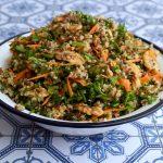 סלט קינואה טעים ומרענן עם עשבי תיבול