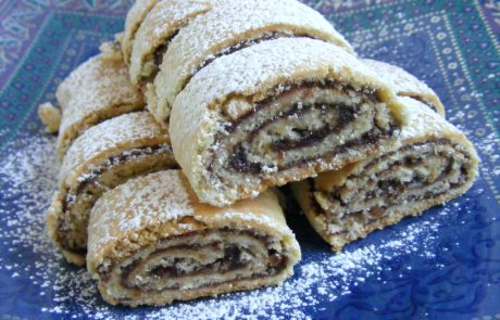 עוגיות מגולגלות במילוי תמרים ואגוזים העוגיות הכי טובות שיש