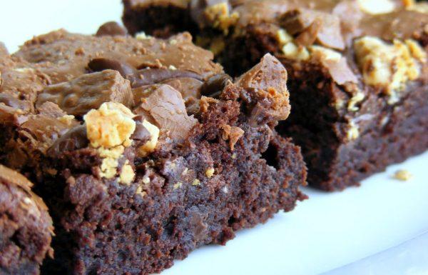 בראוניז שוקולד עם שלושה שוקולדים