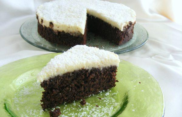 עוגת שוקולד קוקוס עם ציפוי קרם קוקוס עוגה פרווה מעולה