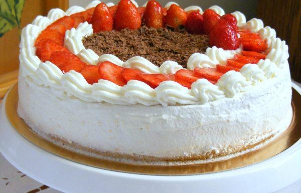 עוגת גבינה קצפת וניל ותותים, עוגת גבינה אפויה