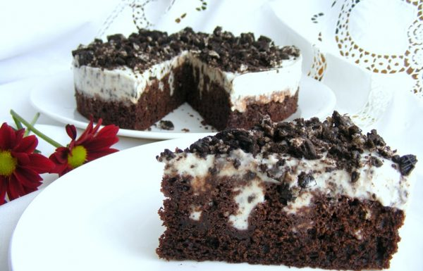 עוגת שוקולד עם קרם וניל ואוראו עוגה ממש קלה להכנה
