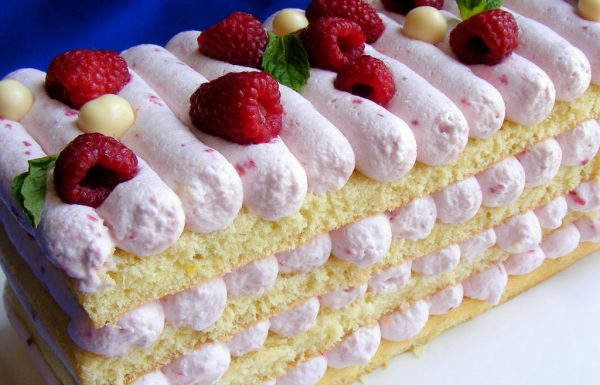 עוגת שכבות קרם גבינה ופטל עוגה חגיגית מהממת