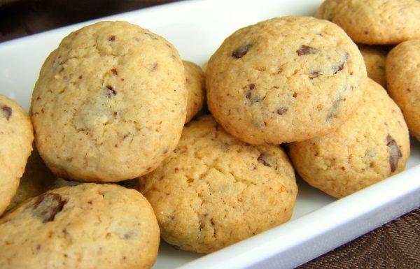 עוגיות קוקוס ושוקולד פשוטות וטעימות