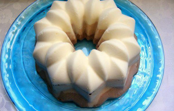 עוגת גלידה מהירת הכנה בשלושה טעמים