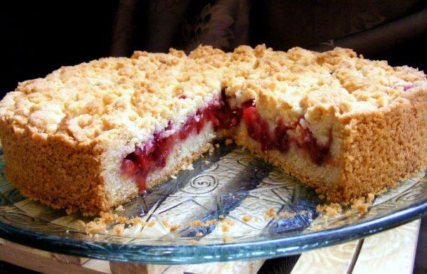 עוגת שזיפים של סבתא חנה מהקיבוץ