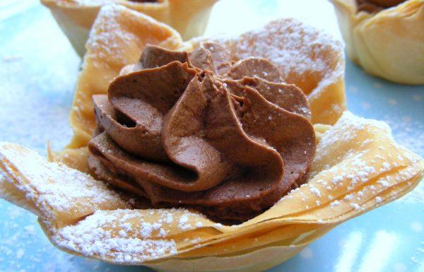 סלסילות מבצק פילו במלית מוס שוקולד