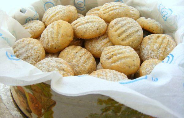 עוגיות לימון ופרג עוגיות חמאה עדינות ומלאות טעם