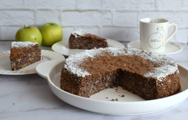 עוגת פרג תפוחים ואגוזים