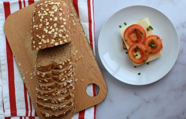לחם שיבולת שועל מקמח מלא לחם בריאות נהדר